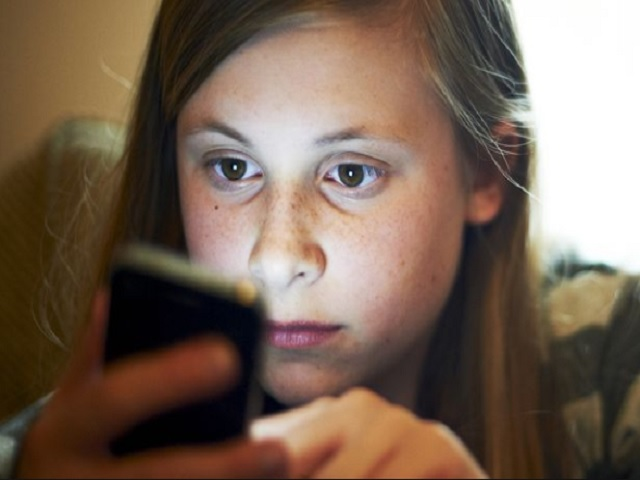 15 year old girl caught searching porn on smartphone